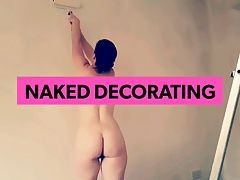 mum likes to decorate in the nude