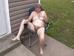 Kim Bates in the buff outside. Can she layout?