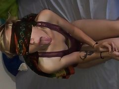 Blindfolded girlfriend sucking bbc