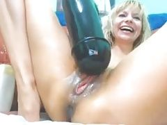 Biggest Dildo Huge Squirt stretches mature Gape