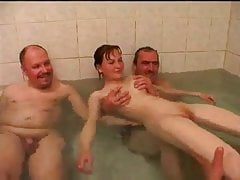 NMLN Communal Bath Time For daughter With His Friends !