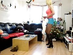 sandralein33 dancing in short lack skirt
