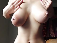 Hot Teen Plays Whit Her Tits