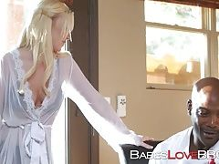 Blonde babe Bailey Brooke takes Nats big and hard package