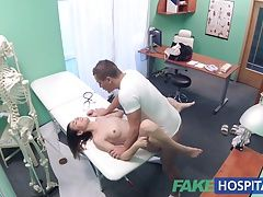 FakeHospital Dirty doctor fucks female thief and creampies