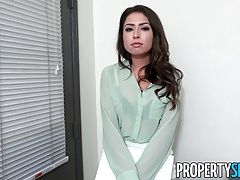 PropertySex - Young real estate agent fucks to get listing