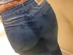 Cum on Ass Tatuada de Jeans Gozada na Bunda Corno do Lado 3