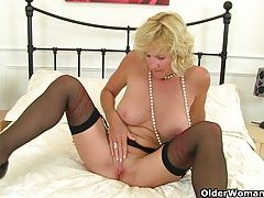Britains sexiest milfs part 17