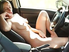 Milf orgasm in the car