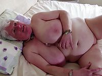 Busty GILF shows her best skills