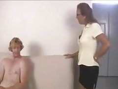 STP5 Mom Catches Daughters Boyfriend Jerking !