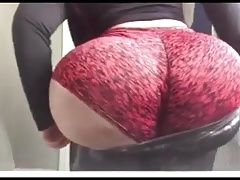 Man this white lady ass phat asf