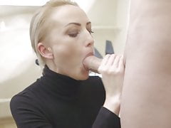 Cums 3 times in her face