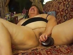 Hairy bbw granny masturbates and gives blowjob