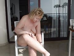 Goldenpussy: Blonde and Hairy mom